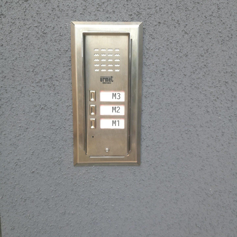 Realizacja FPI - Montaż domofonu w budynku wielorodzinnym