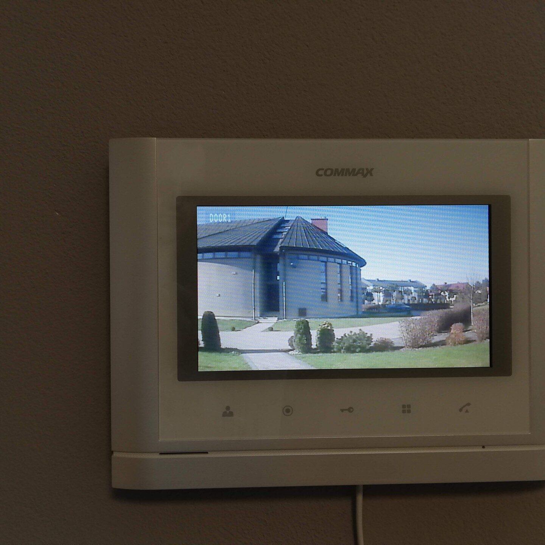 Realizacje FPI - Montaż wideodomofonu Commax