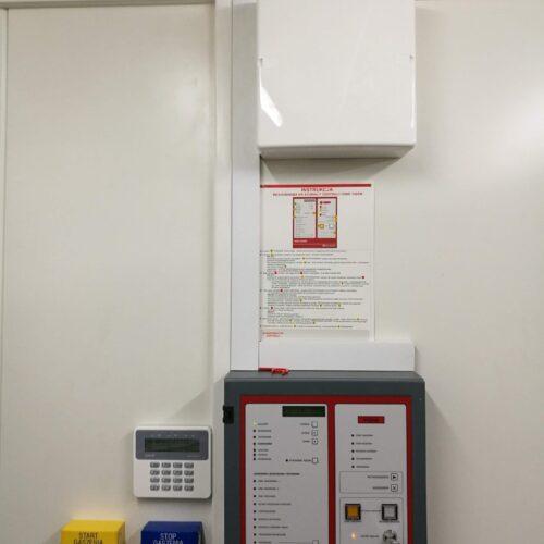 System gaszenia aerozolem kontenera trakcyjnego